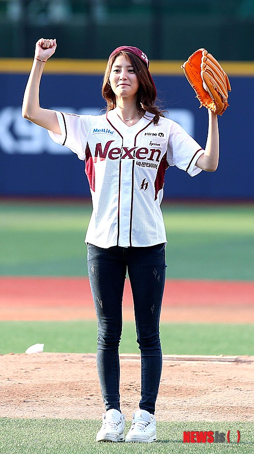 [PRESS] 140704 EXID at 'KIA tigers vs. Nexen Heroes' Korean BaseballMatch