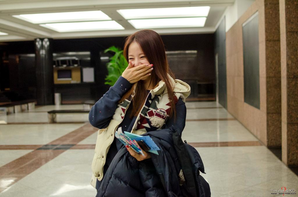 [HQ/FANTAKEN] 141221 Solji, Hani at JTBC 100 People, 100 SongsRecording